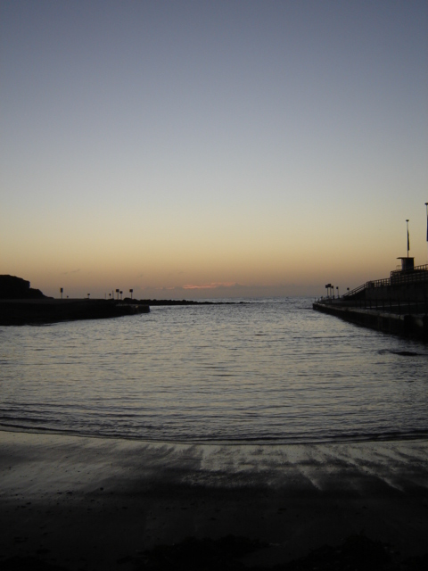 Morning twilight at Clovelly prior to training session
