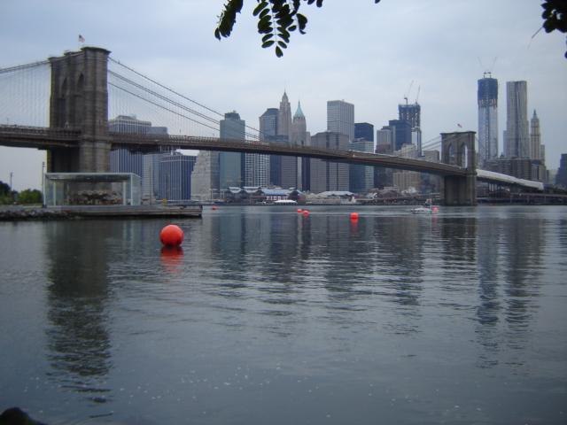 Brooklyn Bridge Swim course