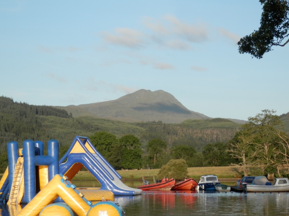 A sunny day with Ben Lomond